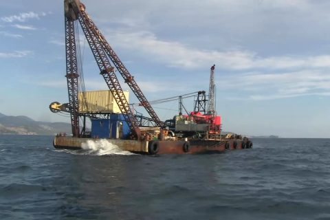 The drilling platform on location over borehole LIV-1.