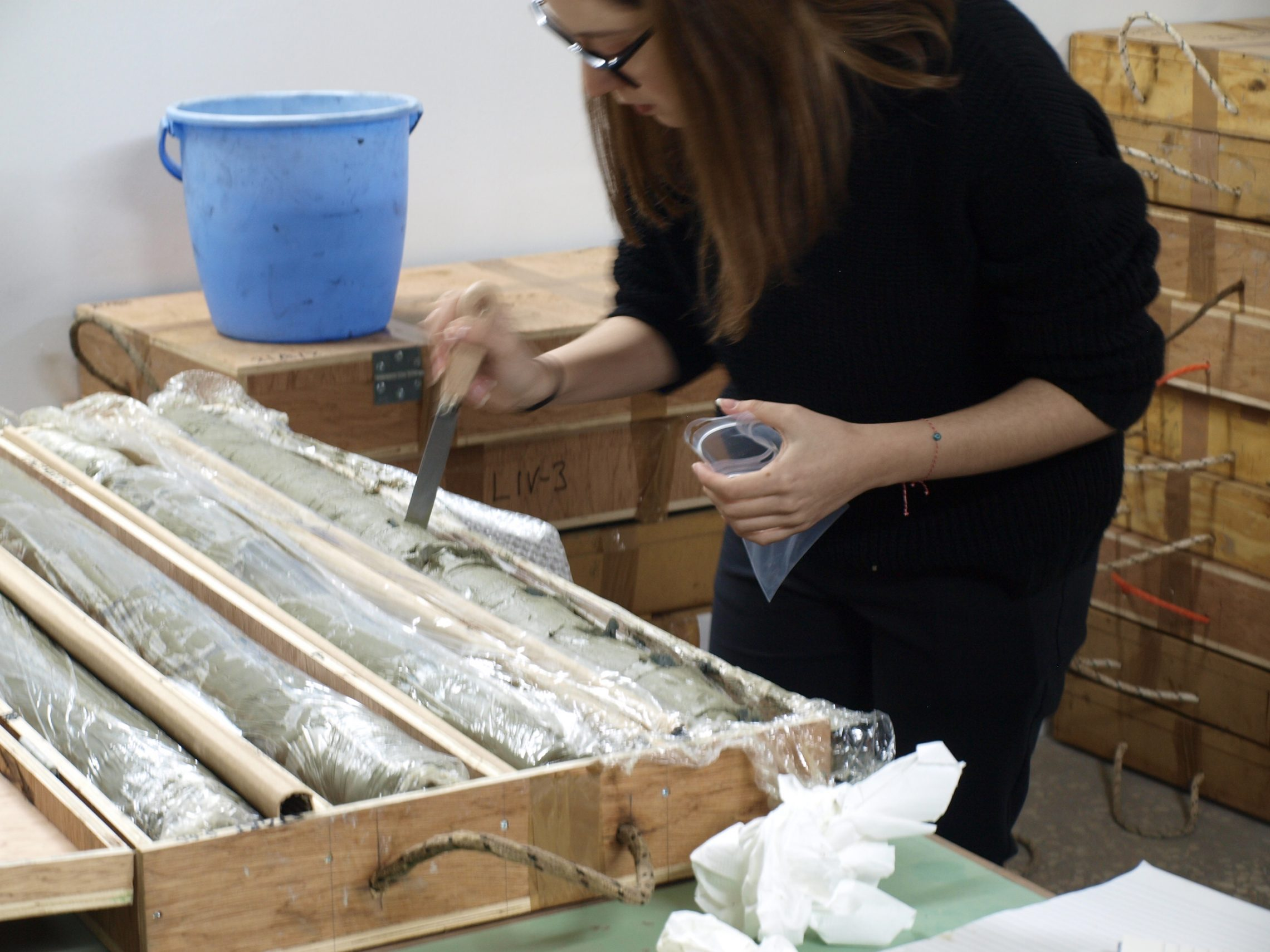 Sampling the marine cores