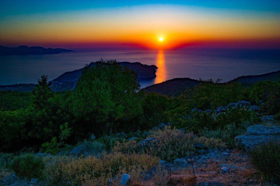 Kefalonia Sunset 724191 unsplash 900x600 1
